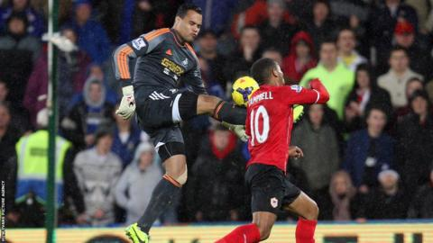 A dramatic end to the south Wales derby sees Swansea goalkeeper Michel Vorm sent off for bringing down Fraizer Campbell as Cardiff win the game 1-0