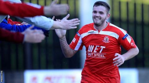 Portadown striker Darren Murray