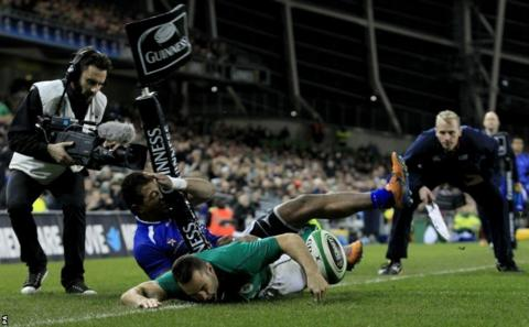 Dave Kearney goes over in the corner against Samoa