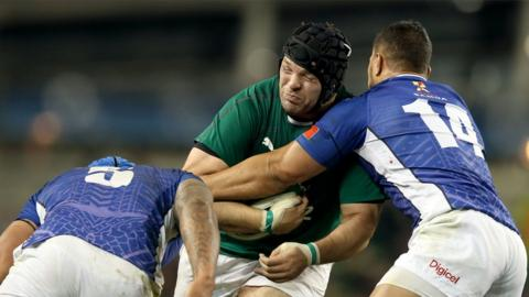 Ireland prop Mike Ross comes up against Alapati Leuia and Teofilo Paulo