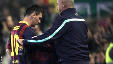 Barcelona's Lionel Messi leaves the field against Real Betis