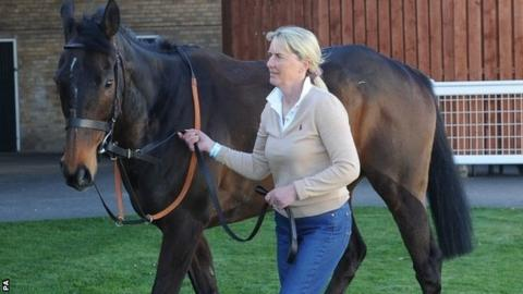 Trainer Sue Smith with Auroras Encore