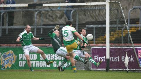 Glenswilly forward Michael Murphy scores the second goal of the game for the Donegal men