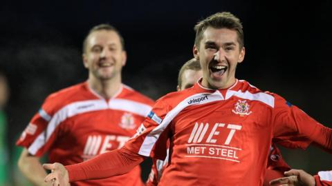 Second-half substitute Joshua Barton was the hero for Portadown as his two goals secured a 3-3 draw with Cliftonville