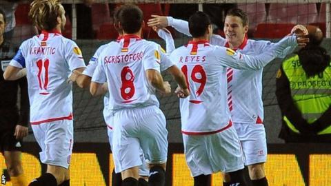 Sevilla celebrate goal v Estoril