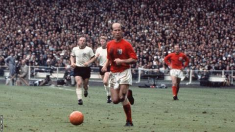 """The 1966 World Cup finals ball was known as """"challenge"""", and was similar to the 1958 design, though the most important difference was the use of an orange ball, particularly in the final when England best West Germany 4-2 after extra time. It was also used in yellow and white in the tournament."""