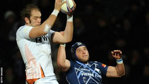 Alun Wyn Jones wins a lineout for the Ospreys in Castres