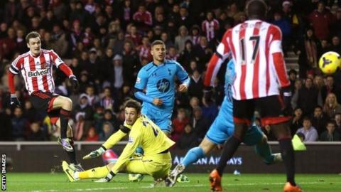 Adam Johnson scores for Sunderland