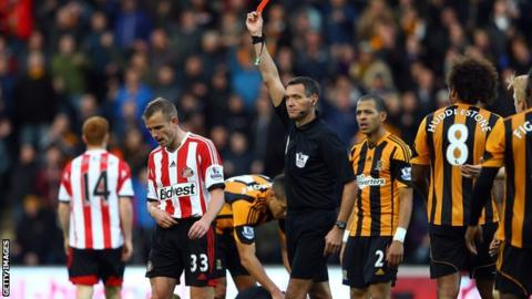 Lee Cattermole is shown the red card against Hull