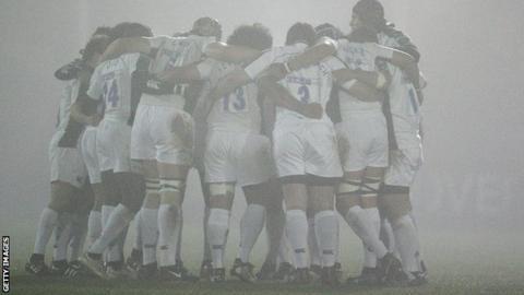 Worcester play in fog at London Irish 2006