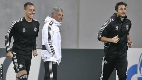 Chelsea's John Terry and Frank Lampard with manager Jose Mourinho