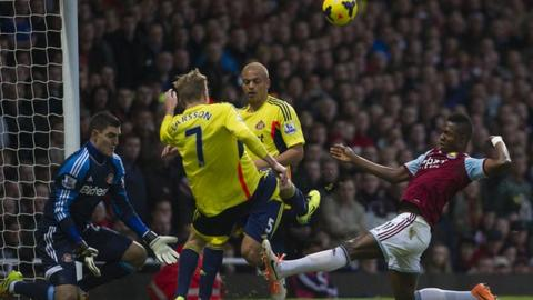 Sunderland defend during a rare foray forward by West Ham