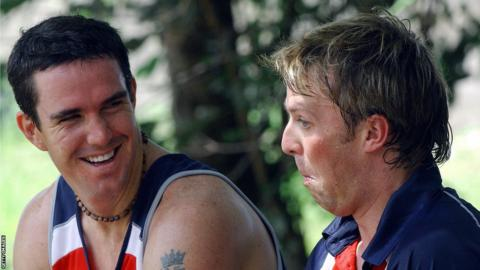 26 Sep 2007 - England cricketer Kevin Pietersen (L) shares a light moment with team mate Graeme Swann during a net practice session at The R. Premadasa Stadium in Colombo, 26 September 2007.
