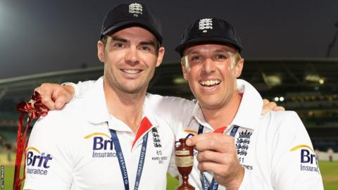 25 Aug 2013: James Anderson (L) and Graeme Swann of England pose with the urn after winning the Ashes during day five of the 5th Investec Ashes Test match.
