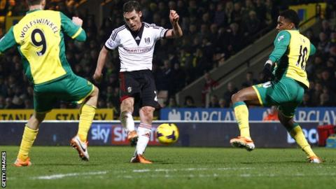 Fulham midfielder Scott Parker scores the winner against Norwich