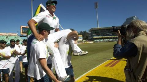 South Africa players pay tribute to Jacques Kallis