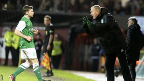 Terry Butcher issues instructions to Lewis Stevenson