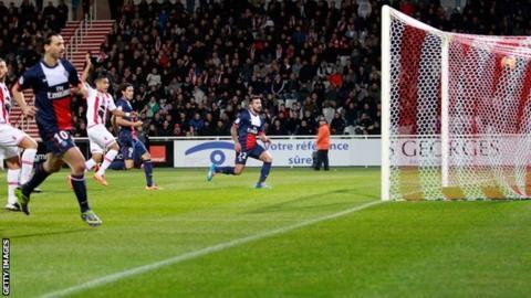 Paris Saint-Germain's Argentine forward Ezequiel Lavezzi