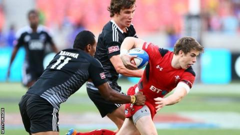 Rhodri Davies in action for Wales Sevens against New Zealand