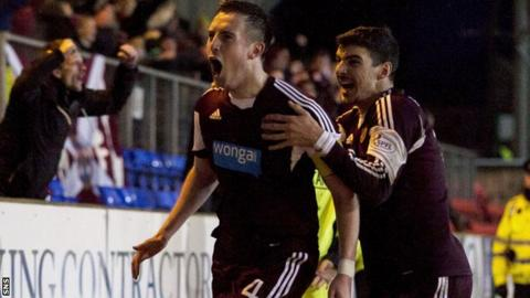 Hearts drew 3-3 at St Johnstone