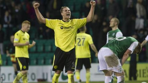 St Mirren were 3-2 winners at Easter Road
