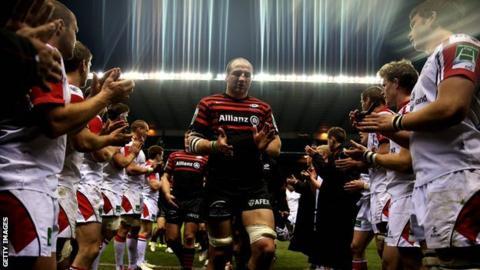 Ulster applaud winning captain Steve Borthwick of Saracens off in 2013