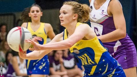 Amanda Trounce playing for Team Bath