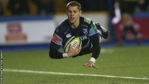 Cardiff Blues' Tom Williams dives in to score try
