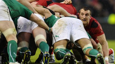 Wales captain Sam Warburton adds his weight to a scrum