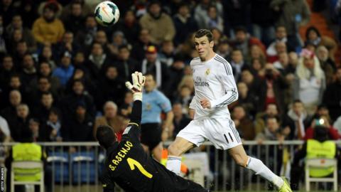 Gareth Bale scores for Real Madrid against Villareal in Spain's Primera Liga