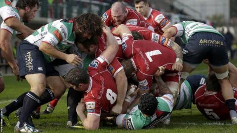 Scarlets travel to Italy and edge Treviso 41-33 in the Pro12