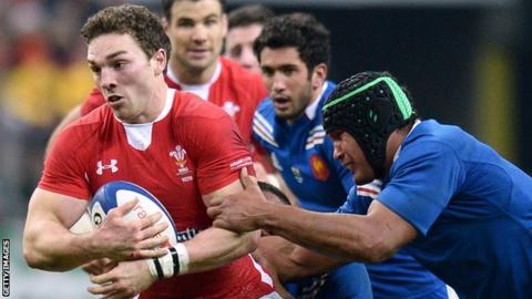 George North takes on France in Paris in 2013