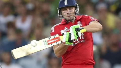 England all-rounder Luke Wright in Twenty20 action against Australia