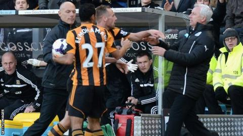 Newcastle United Manager Alan Pardew in confrontation with Hull City midfielder David Meyler