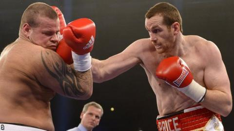 David Price (right) on his way to victory over Istvan Ruzsinszky