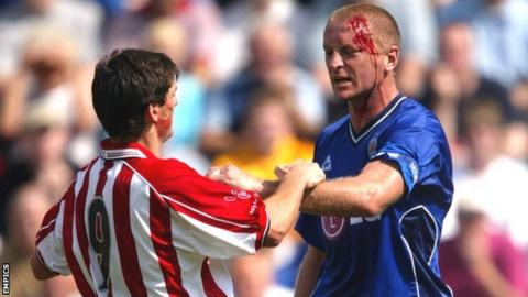 Matt Elliott in the thick of the action playing for Leicester City against Athletic Bilbao