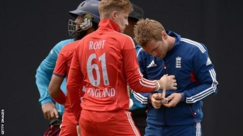 Joe Root has his damaged thumb attended to