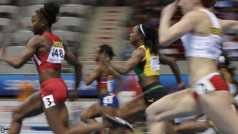 Veronica Campbell-Brown (second right)