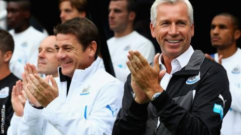 Newcastle assistant John Carver (left) and Alan Pardew (right)