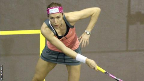 Madeline Perry was edged out in a tight World Championship quarter-final in Malaysia