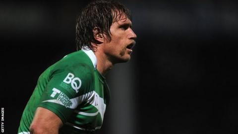 Newcastle flanker Richard Mayhew