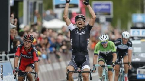 Fabian Cancellara (centre) celebrates winning the Tour of Flanders