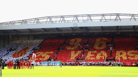Liverpool fans join players from Liverpool and Manchester City in a Hillsborough tribute