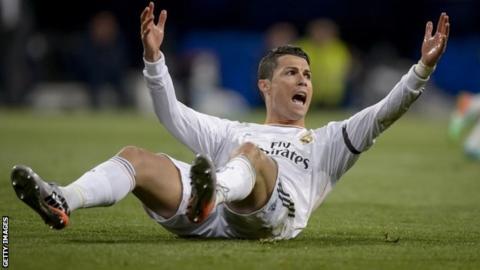 Cristiano Ronaldo appeals for a foul
