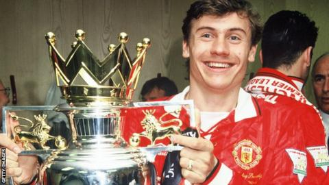 Andrei Kanchelskis with the Premier League trophy at Manchester United