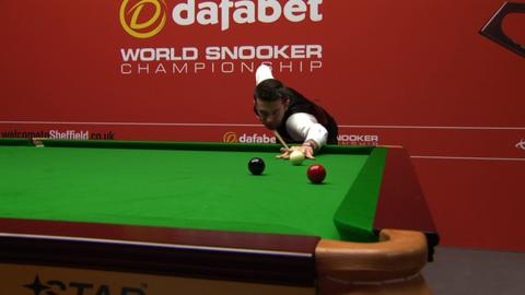 Mark Selby beat Ali Carter 13-9 to progress into the quarter-finals of the World Snooker Championship.