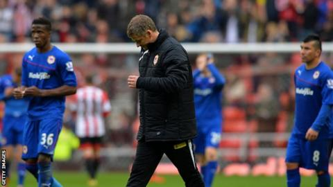 Ole Gunnar Solskjaer and his Cardiff players at the end of the defeat at Sunderland