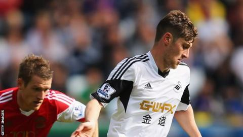 Ben Davies on the attack for Swansea City against Southampton
