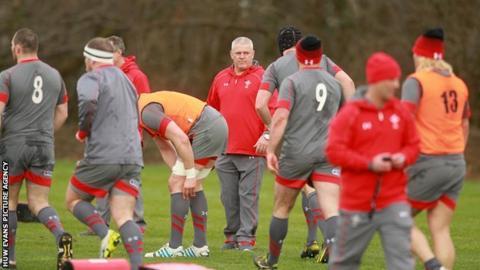 Warren Gatland at a Wales training session