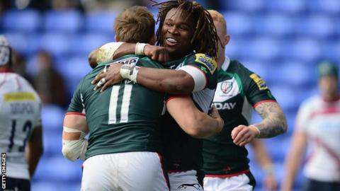 Andrew Fenby celebrates his first try with Marland Yarde.